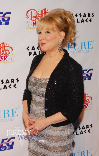 http://www.womackphotography.com/Bette_Midler_Red_Carpet/bette_midler_red_carpet_02.JPG